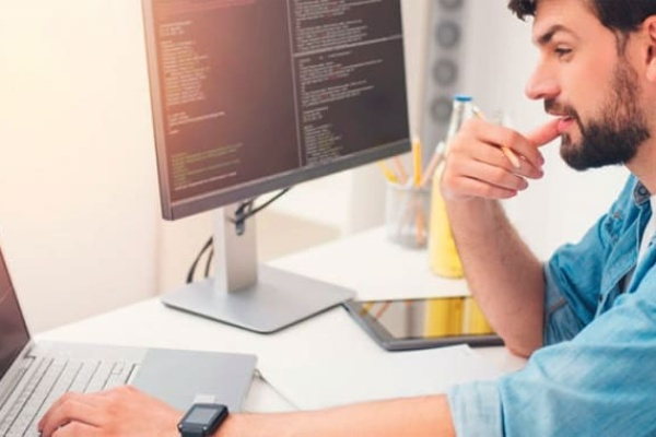 как найти программиста